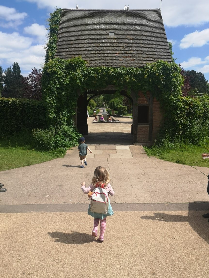 New Thing 12: Rowntree Park and ReadingCafe